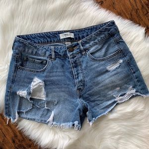 F21 Destroyed High-Rise Cutoff Jean shorts size 27